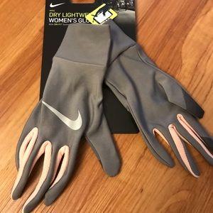 NWT-Nike Dry Lightweight Women's Gloves